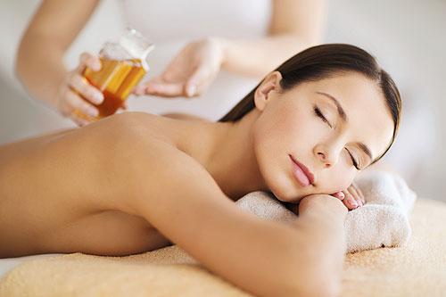 women enjoying a spa treatment